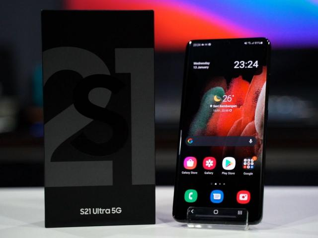 Offer for wholesale Mobile phones of all kind and Electronics in General. - 4/4