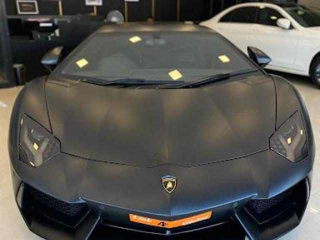 Want to buy a luxury car at low price? - 1/3